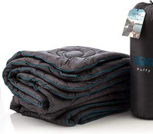 #3 SORISON Large, Puffy Ultra-Warm Camping Blanket