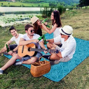 7. ZOMAKE Picnic Blanket Mat Waterproof Extra Large